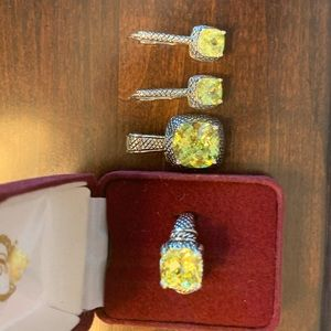 Premier pendent, ring and earrings